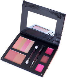 Bella in bloom - eye shadow, <%#Customer.Current.Culture.FormatMoney(21.99m)%>